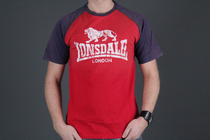 Raglan Lion Red
